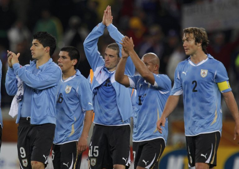 Τελικός για Νότιο Αφρική, Ουρουγουάη | Newsit.gr