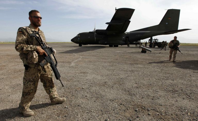 Έξι νεκροί μαχητές στο Πακιστάν | Newsit.gr