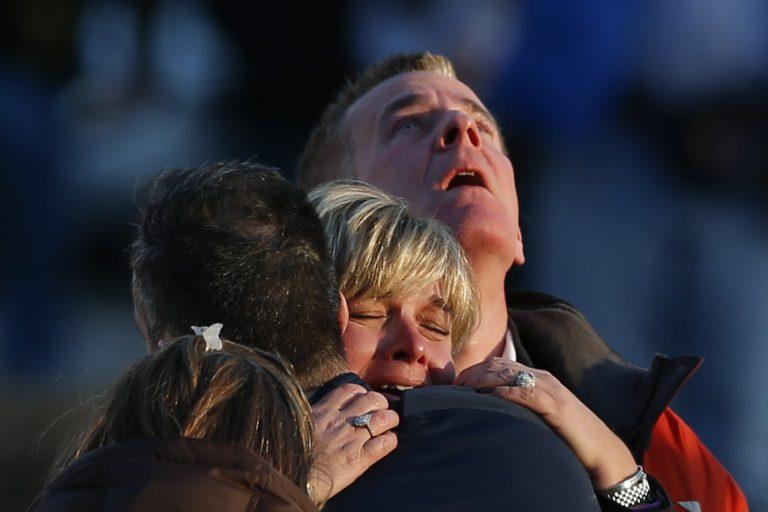 Ανείπωτη θλίψη και οργή για το μακελειό στο Κονέκτικατ – Συγκλονιστικές φωτο   Newsit.gr