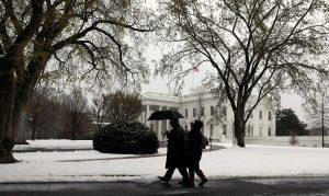 """Λευκός Οίκος, όνομα και πράγμα! Επίσημη… επίσκεψη της """"Στέλλα"""" [pics]"""