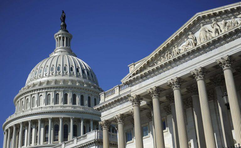 Δε θα χρεοκοπήσουν προς το παρόν οι ΗΠΑ – Πέρασε και από τη Γερουσία η συμφωνία για το χρέος | Newsit.gr