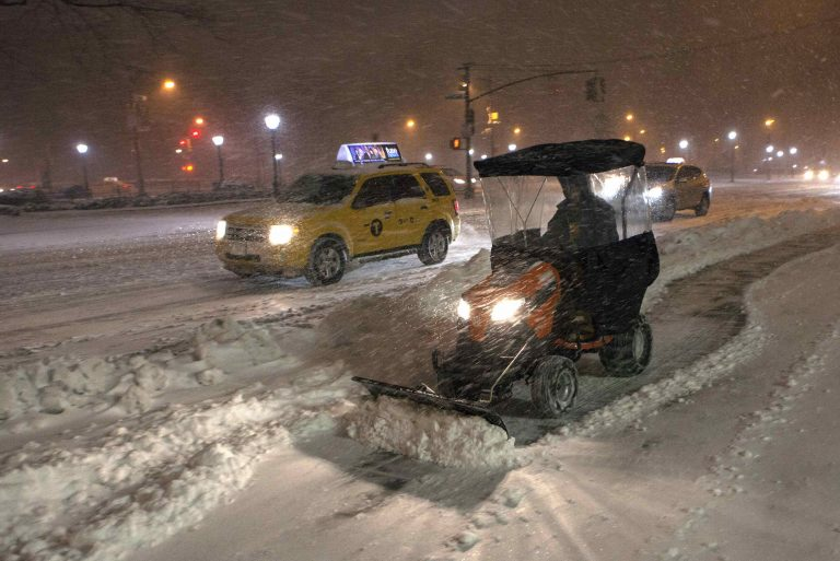 Χιονοθύελλα σαρώνει τις βορειοανατολικές πολιτείες των ΗΠΑ – Ένας νεκρός | Newsit.gr