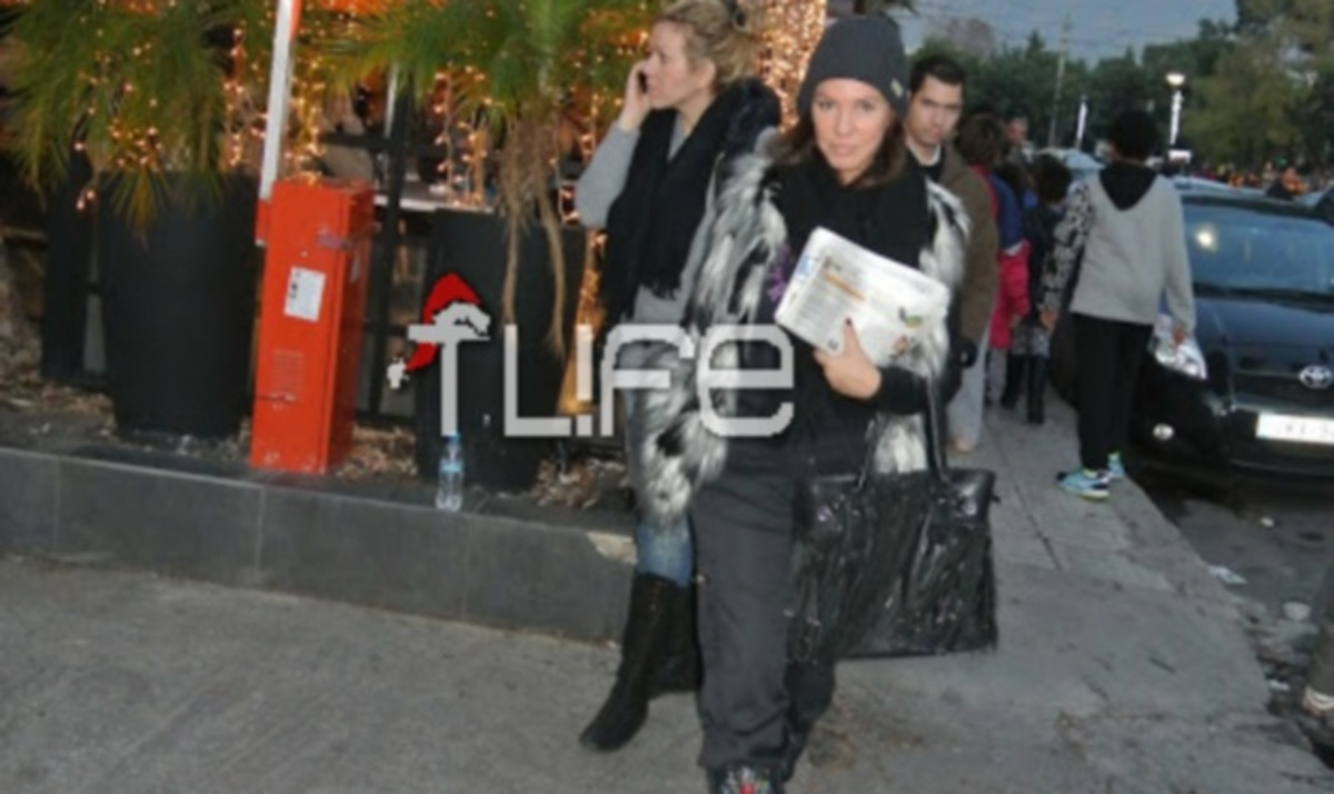 Β. Μπάρμπα: Απογευματινή βόλτα στη Γλυφάδα! | Newsit.gr