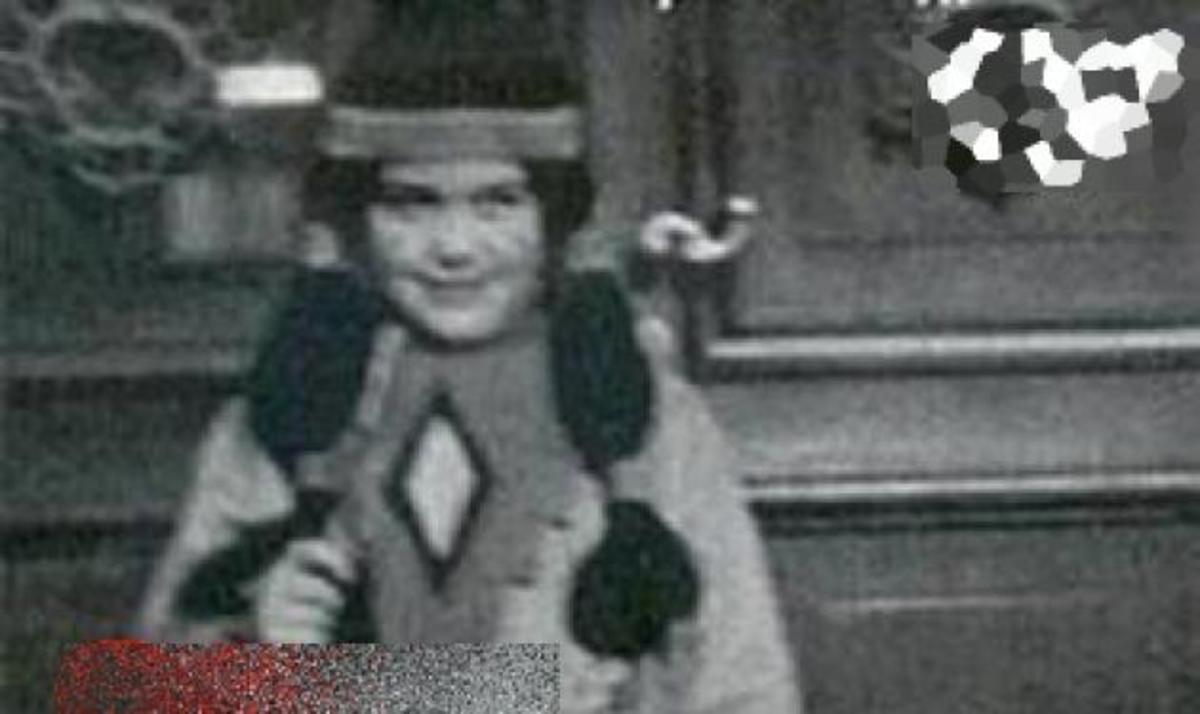 Ποια διάσημη Ελληνίδα τραγουδίστρια είχε ντυθεί μικρή Ινδιάνα στις απόκριες; | Newsit.gr