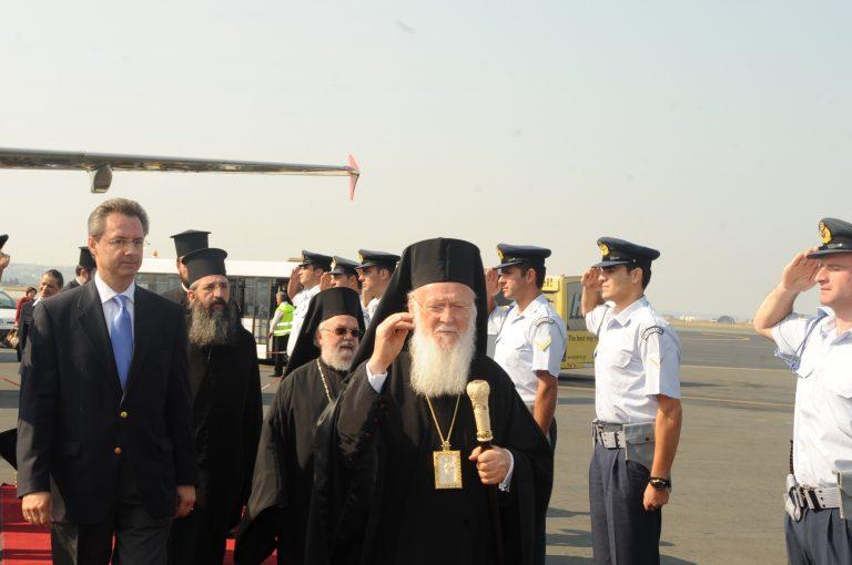 Μοναχοί αποδοκίμασαν τον Οικουμενικό Πατριάρχη-video | Newsit.gr