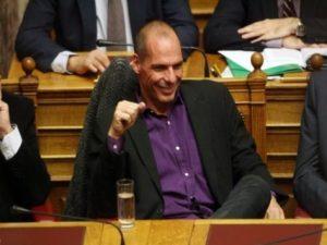 """Βαρουφάκης: """"Ο ΣΥΡΙΖΑ είναι το νέο ΠΑΣΟΚ! Θα καταρρεύσει""""!"""
