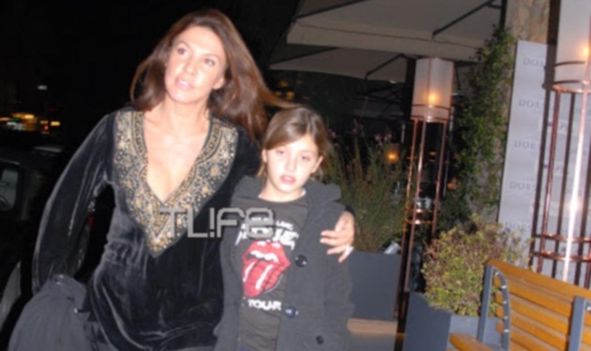 Β. Μπάρμπα: Ανάσα από τις πρόβες για βόλτα με την κόρη της! | Newsit.gr