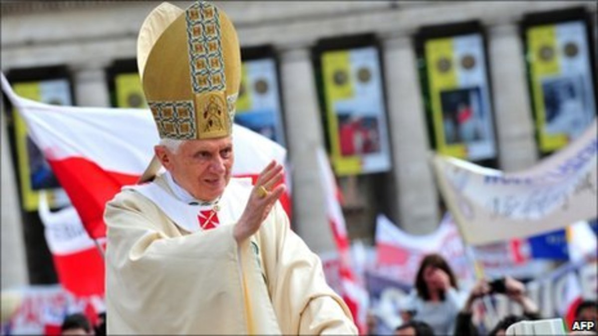 Βατικανό: Ένα εκατομμύριο πιστοί στην τελετή οσιοποίησης του Ιωάννη Παύλου Β΄ | Newsit.gr