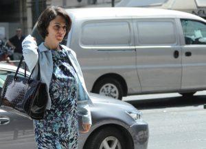 Η Ντέλια Βελκουλέσκου «πάτησε»… ΥΠΟΙΚ – Τι συζήτησε με τον Τσακαλώτο
