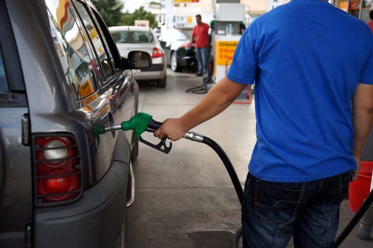 Απειλή απεργίας και από τους βενζινοπώλες   Newsit.gr