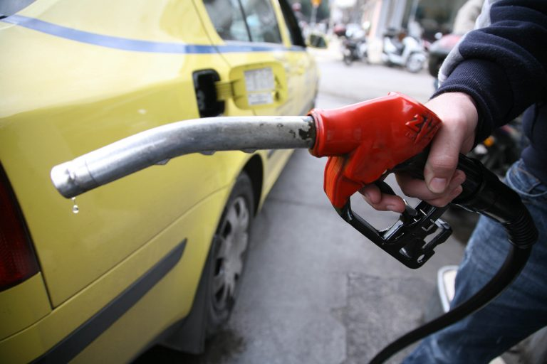 Σε ποιά πρατήρια θα βρείτε την πιο φτηνή και σε ποιά την πιο ακριβή βενζίνη… | Newsit.gr