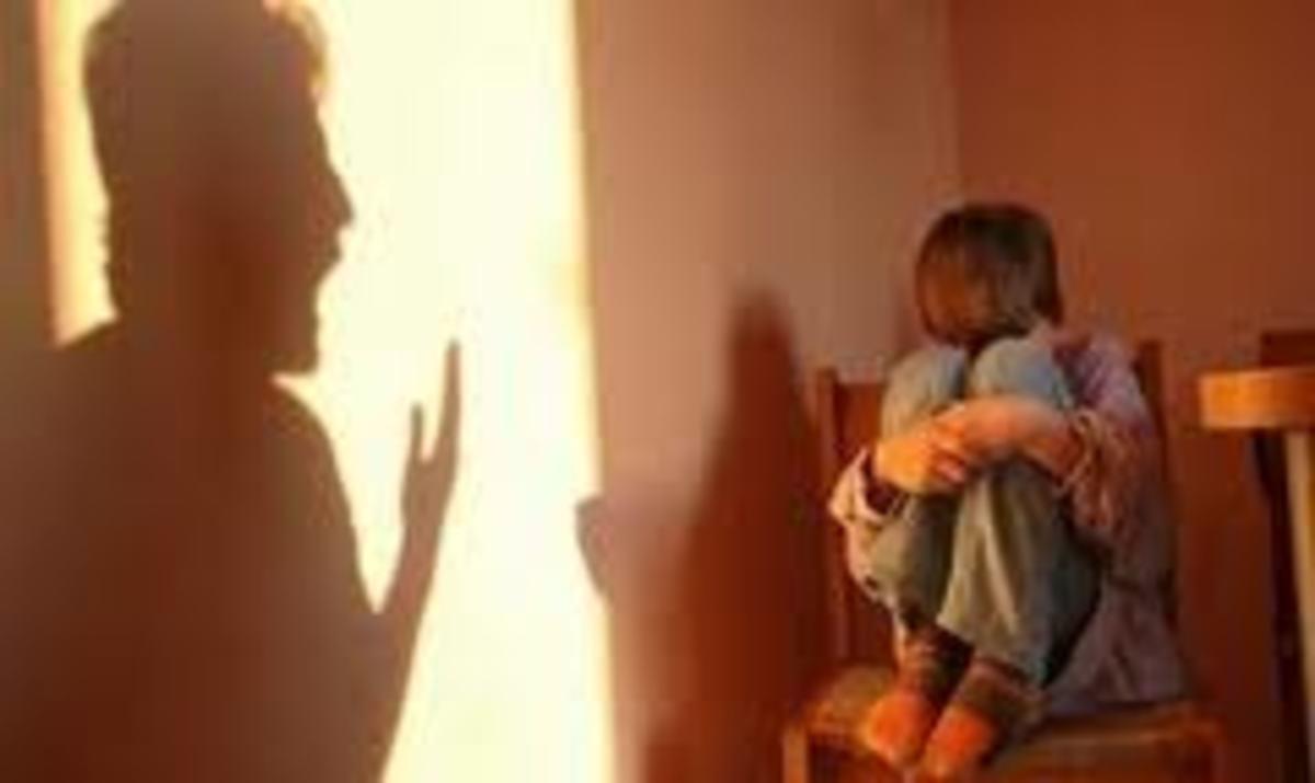 Ηράκλειο: Για 2 χρόνια τον βίαζε ο πατέρας του, με τις ευλογίες της γιαγιάς! | Newsit.gr
