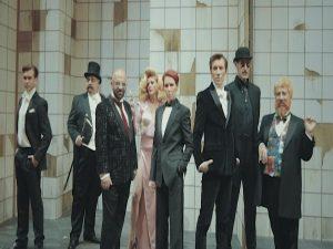 """Βίντεο: Backstage από το """"Victor Victoria"""""""