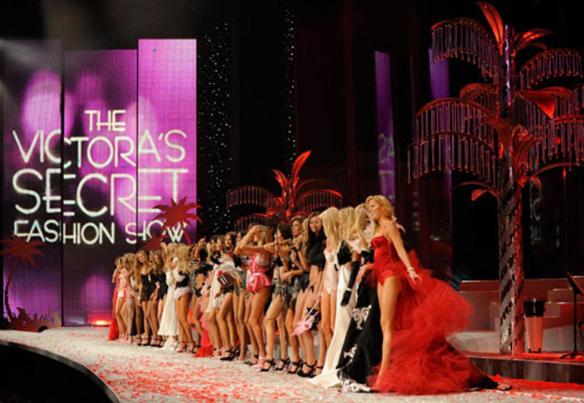 To φαντασμαγορικό show της Victoria Secret! | Newsit.gr