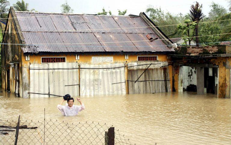 Βιετνάμ: 90 νεκροί από την «Μιρίνα» | Newsit.gr