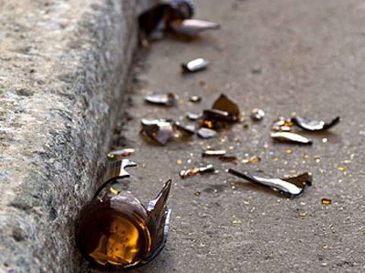 Τρίκαλα: Του έσπασε το κεφάλι με μπουκάλι μπύρας! | Newsit.gr