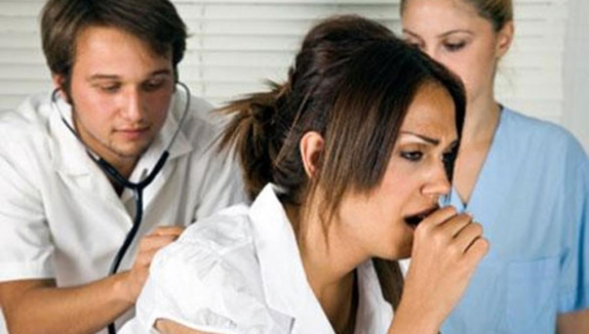 Τι να κάνετε για να ηρεμήσετε από τον επίμονο βήχα | Newsit.gr