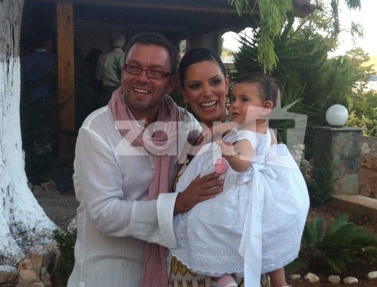Ο Σπύρος Λάμπρου βάφτισε την κόρη του! Δείτε φωτογραφίες!   Newsit.gr