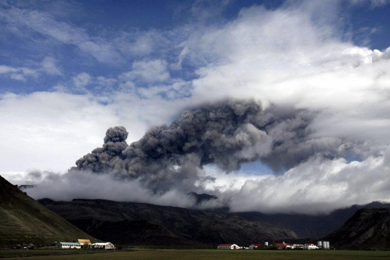 Ζητούν αποζημιώσεις λόγω… ηφαιστείου | Newsit.gr