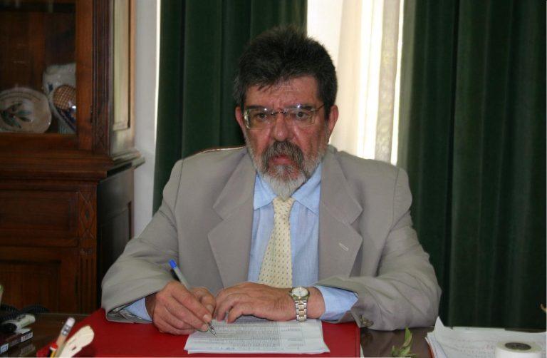 Λέσβος: Κάλεσε την αστυνομία επειδή κάπνιζε ο δήμαρχος! | Newsit.gr