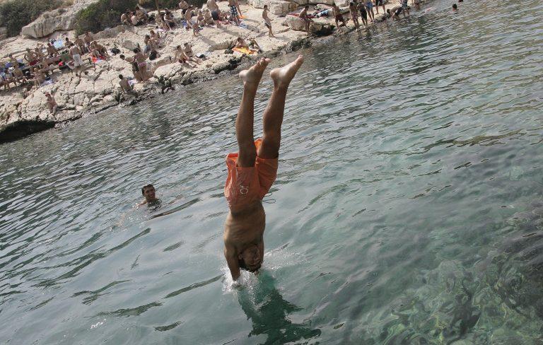 Θράκη: Σοβαρότατος τραυματισμός φοιτήτριας στη θάλασσα! | Newsit.gr