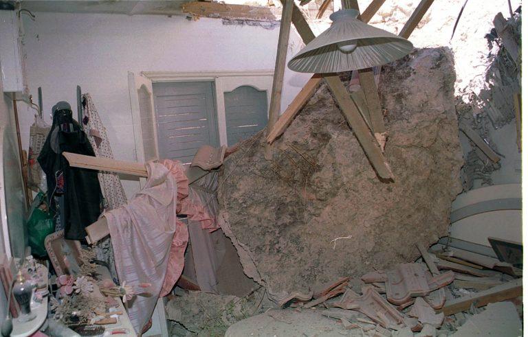 Βράχος 200 κιλών καταπλάκωσε σπίτι στη Βλαχέρνα Αρκαδίας | Newsit.gr