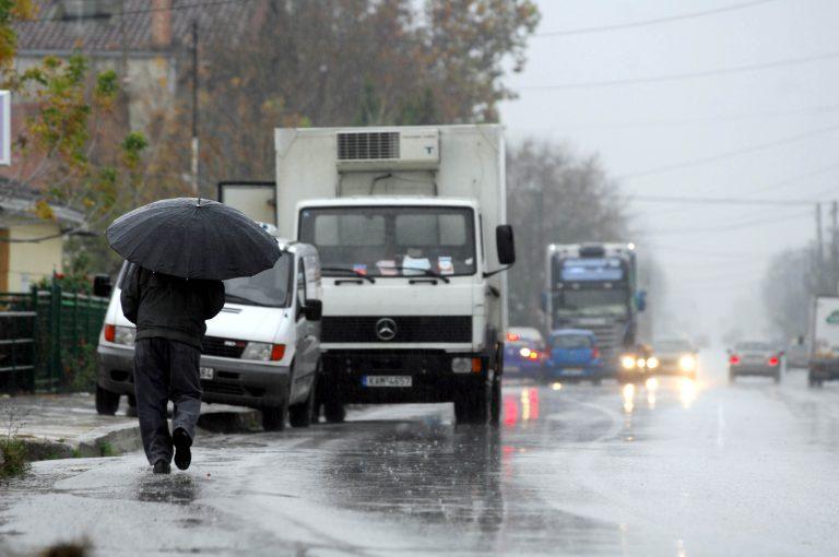Βροχερός και το Σαββατοκύριακο ο καιρός – Έρχονται και χιόνια στα ορεινά | Newsit.gr