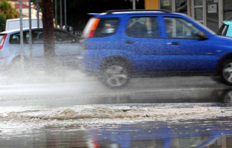 Πολλά μικροατυχήματα από τις πρώτες βροχές | Newsit.gr