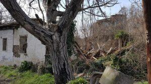 Τρίκαλα: Κατέρρευσε το σπίτι που γεννήθηκε ο Άγιος Εφραίμ [pics]