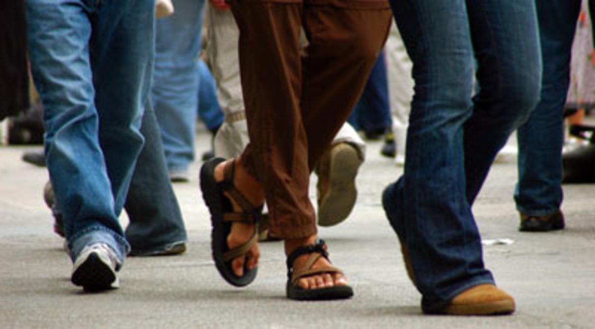 Βόλος – Αθήνα με τα… πόδια – Πρωτότυπη διαμαρτυρία κατά του μνημονίου | Newsit.gr