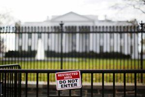 Αναστάτωση στο Λευκό Οίκο από ύποπτο πακέτο – Συνελήφθη ένας άνδρας