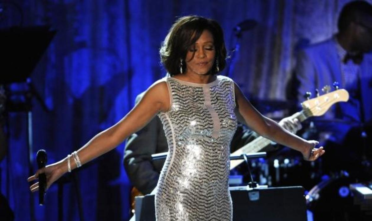 Εγκαύματα στο σώμα της Whitney Houston έδειξε η νεκροψία! | Newsit.gr
