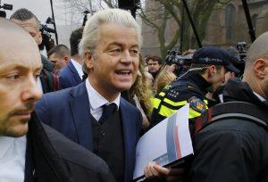 Ολλανδία: Πρώτοι σε έδρες οι εθνικιστές – Μάχη Βίλντερς – Ρούτε