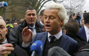 Ολλανδία – Δημοσκόπηση: «Πέφτει» ο Βίλντερς, δυο εβδομάδες πριν τις εκλογές