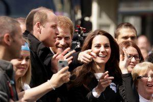«Μπουγέλωσαν» τον πρίγκιπα Γουίλιαμ! Τα… πήρε η Κέιτ [vids, pics]