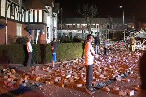 Σφοδρή έκρηξη στο Μέρσεϊσαϊντ! Κατέρρευσαν κτίρια, δύο σοβαρά τραυματισμένοι! Συγκλονιστικές εικόνες