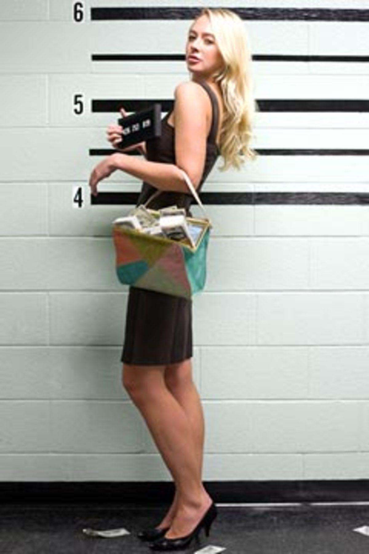 Δασκάλα λήστεψε τράπεζα με πλαστικό πιστόλι! | Newsit.gr