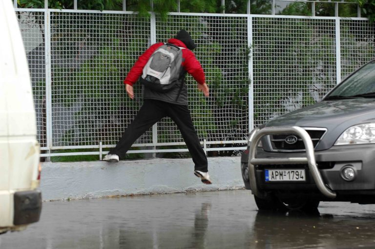 Καστοριά: Βροχή και χαλάζι στο Άργος Ορεστικού!   Newsit.gr