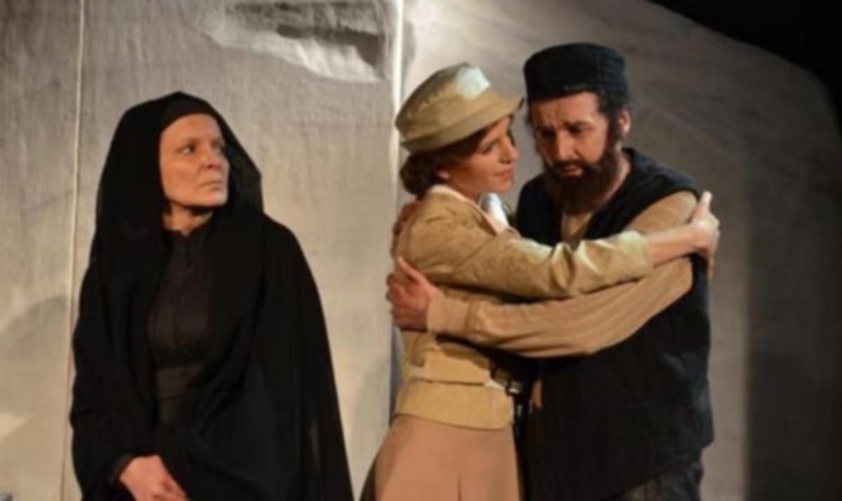 Γυναίκα θεατής ξυλοκόπησε την πρωταγωνίστρια την ώρα της παράστασης! | Newsit.gr