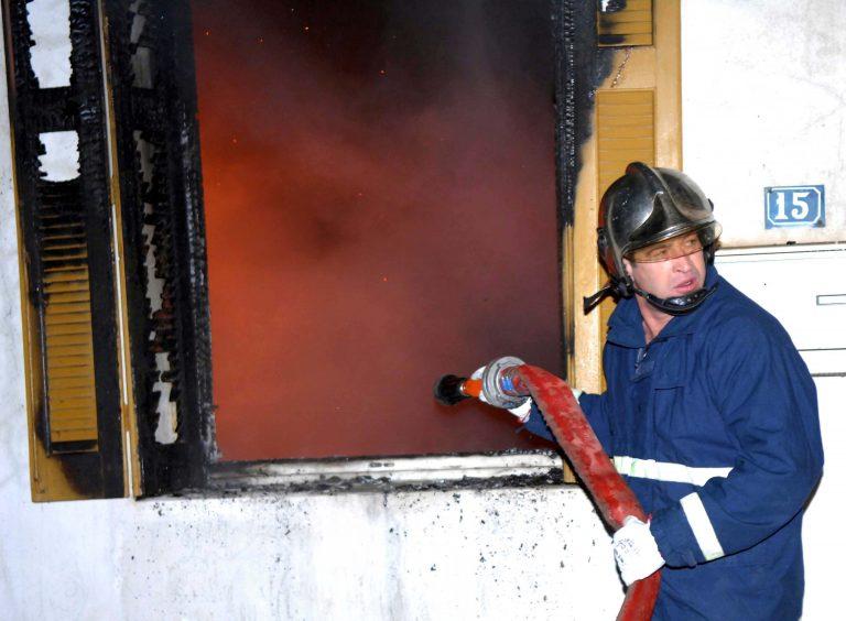 Χανιά: Τους ξύπνησαν οι φλόγες | Newsit.gr