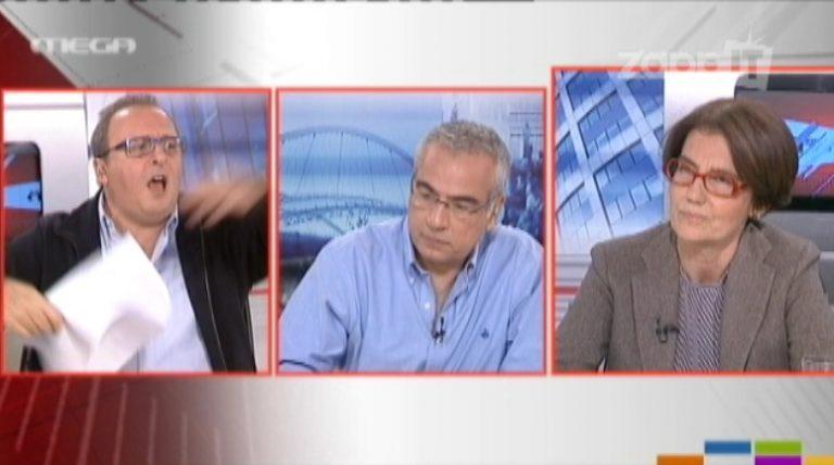 Έξαλλος ο Καμπουράκης, πέταξε τα χαρτιά του και τα …καρφιά του στον αέρα! | Newsit.gr