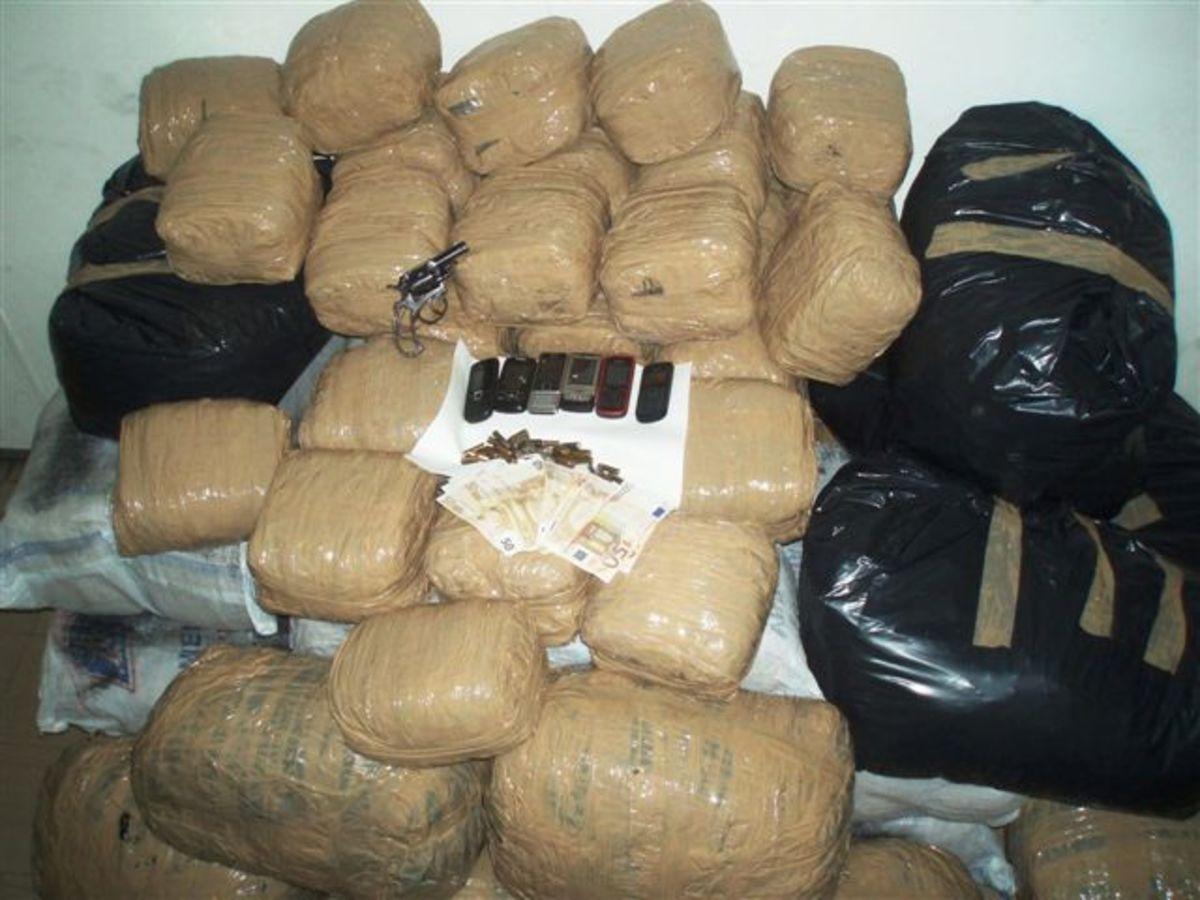 Αρχιφύλακας της ΕΛ.ΑΣ. διακινούσε ναρκωτικά! | Newsit.gr