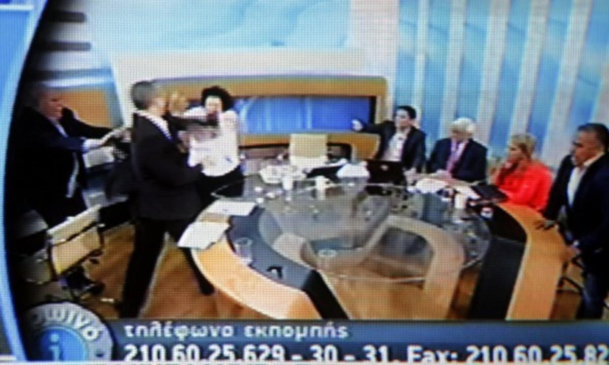 Ψηφίζουν για άρση ασυλίας του Ηλία Κασιδιάρη για το χαστούκι στην Λιάνα Κανέλλη | Newsit.gr