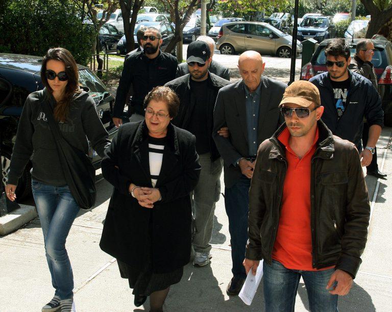 Στο τμήμα ανηλίκων κρατείται ο Α. Τσοχατζόπουλος – Σιδεροδέσμιοι οι υπόλοιποι 3 συλληφθέντες στην υπόθεση Τσοχατζόπουλου | Newsit.gr