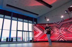 "X Factor: Αφιέρωσε το τραγούδι στον αδερφό του που έχασε… Οι κριτές ""λύγισαν"" [vid]"