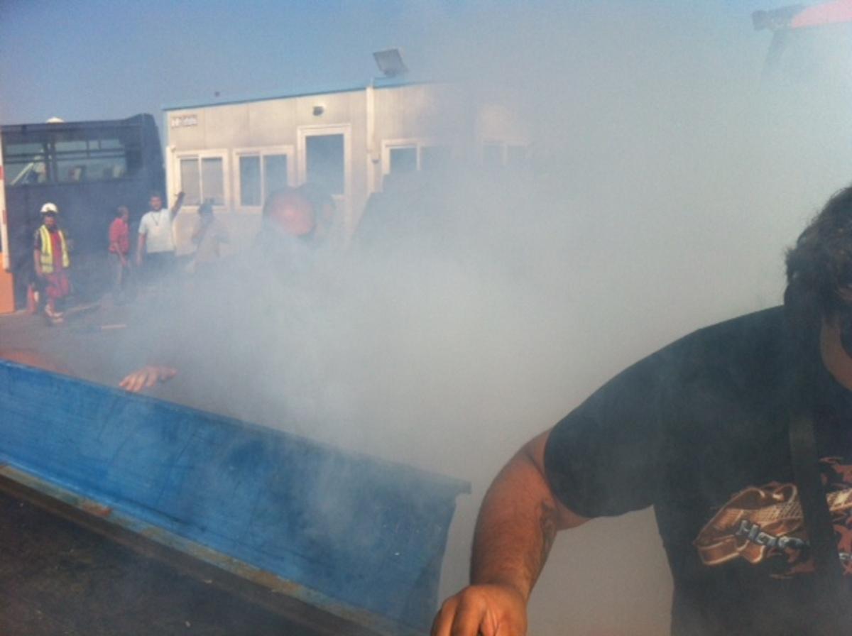 Ένταση στο αεροδρόμιο Ηρακλείου – Ντου των αγροτών και χημικά από τους αστυνομικούς – ΦΩΤΟ & ΒΙΝΤΕΟ | Newsit.gr