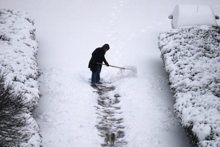 5 νεκροί από χιονοστιβάδες στην Ελβετία | Newsit.gr