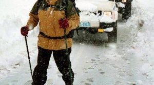Καιρός: Επιχείρηση στα Δερβενοχώρια για εγκλωβισμένους στα χιόνια