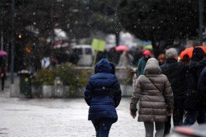 Καιρός: Χιονοπτώσεις και χρήση αλυσίδων στον Έβρο