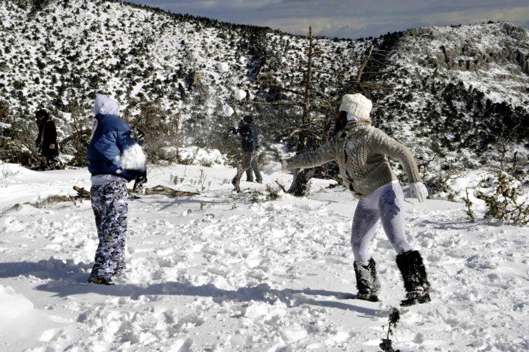 Πώς πρέπει να ντύνουμε τα παιδιά μας τον χειμώνα, για να μην αρρωσταίνουν; | Newsit.gr